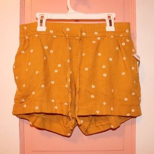 New Old Navy Yellow Shorts